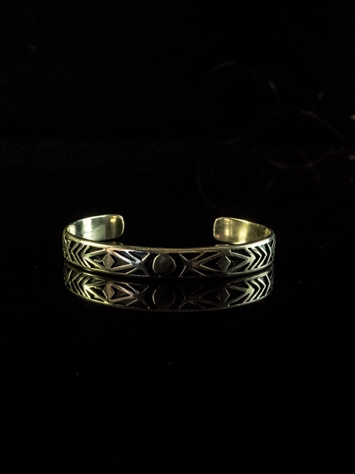 Ethnic Arrow Pattern Open Bangle
