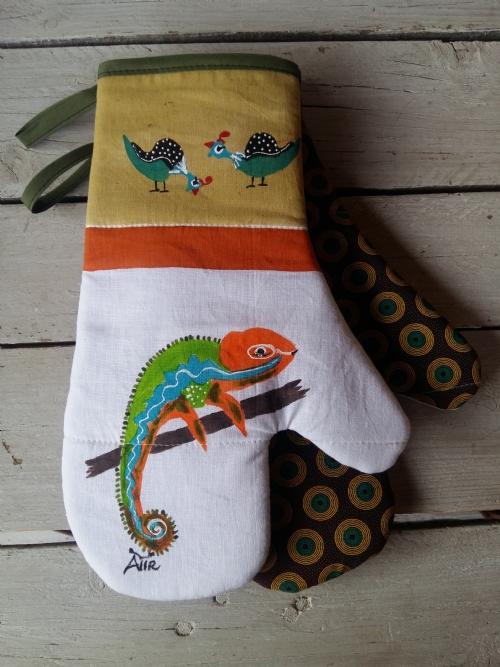 Oven Gloves Chameleon & Guinea-Fowl