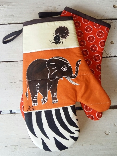 Oven Gloves Elephant & Dung Beetle