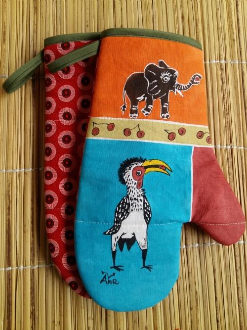 Oven Gloves Hornbill
