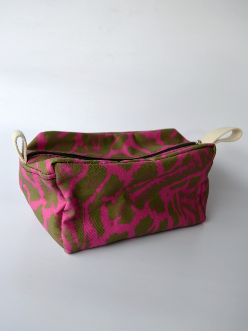 Toiletry Bag - Giraffe Pattern - Large