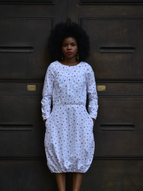 Long Sleeved Dress With Elastic Hem - White/Red Stars