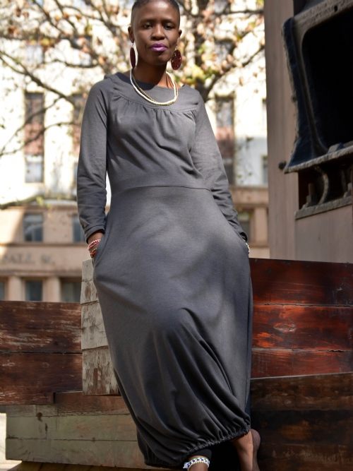 Long Sleeved Dress With Elastic Hem - Grey