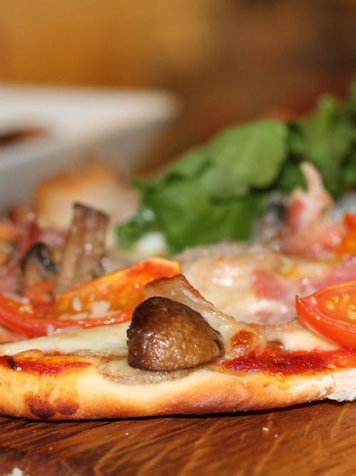 Pizza: Bacon and Mushroom, 30cm
