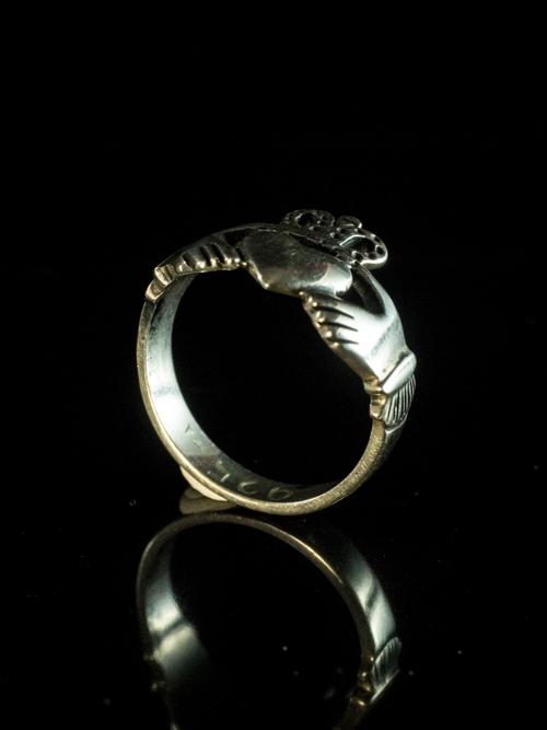 Claddagh Ring Petite