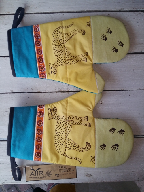 Oven Gloves Cheetah