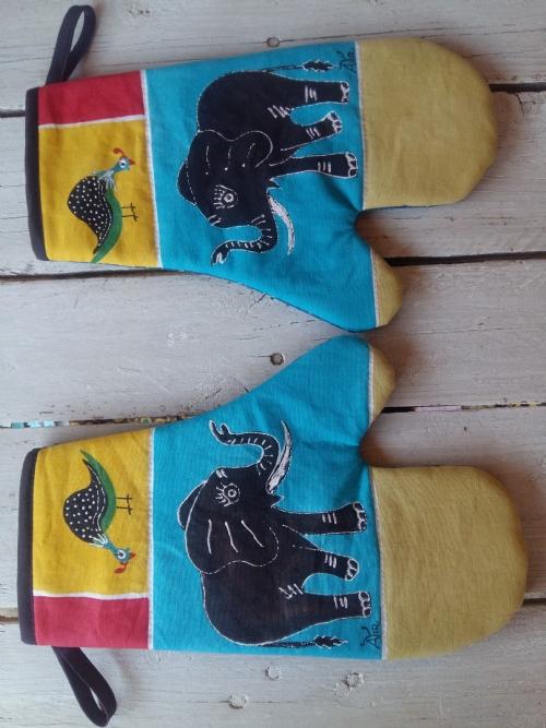 Oven Gloves Elephant & Guinea Fowl